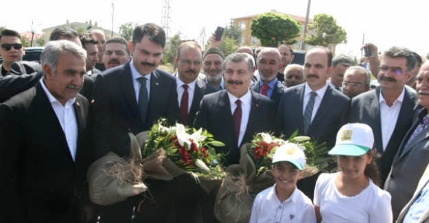 Sağlık Bakanımız Fahrettin Koca, Omaro da Cami Açtı