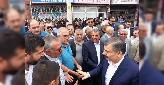 Bakan Fahrettin Koca Hasan Demir'in cenazesine katıldı
