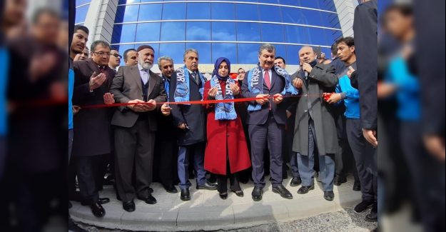 Sağlık Bakanı Fahrettin Koca Ömeranlı Gençlik Merkezimizin açılışını yaptı