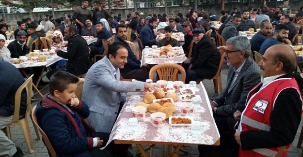 Kulu'da Bin 200 Kişiye İftar Yemeği Verildi.