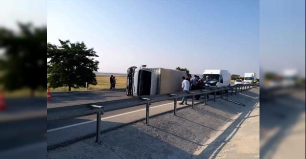 Kulu'da kamyonet devrildi: 2 yaralı