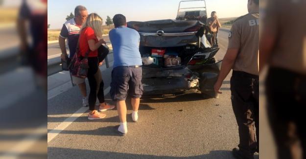 Kuluda otomobiller çarpıştı: 5 yaralı