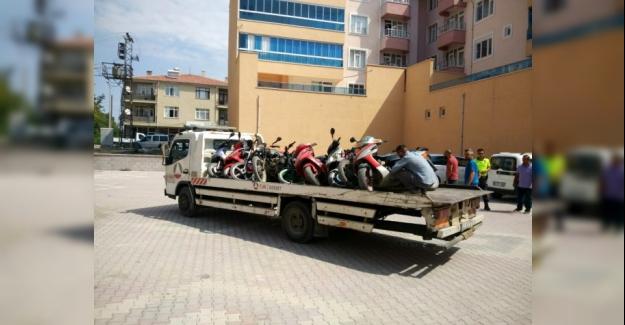 Kulu'da uygunsuz motosikletler toplanıyor