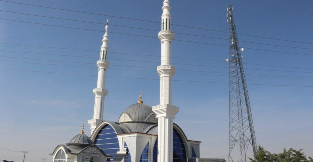Ömeranlıda Selahaddin Eyyubi Camii Mimarisiyle Kendisine Hayran Bırakıyor