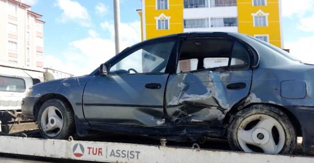 Beşkardeş Mahallesi yol kavşağında kaza...