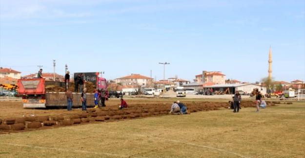 Kulu'da şehir stadyumu yıkıldı