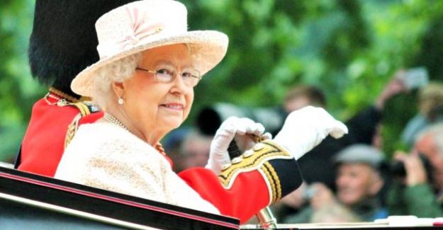 Kraliçe Elizabeth koronavirüs korkusuyla Buckingham Sarayı'nı terk etti