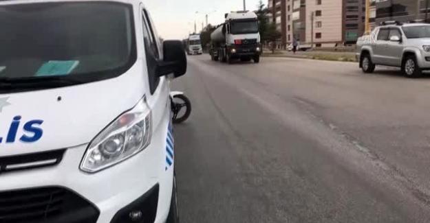Kulu'da kamyonete arkadan çarpan motosikletin sürücüsü yaralandı