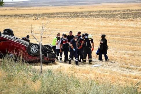 Kulu'da şarampole devrilen otomobildeki 4 kişilik aile yaralandı