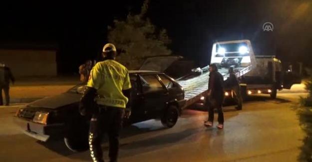 Kulu ilçesinde otomobil ile tırın çarpışması sonucu 2 kişi yaralandı.