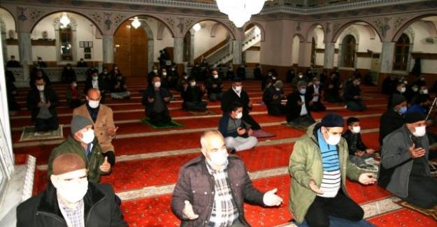 Kulu'da Berat Kandili dualarla idrak edildi
