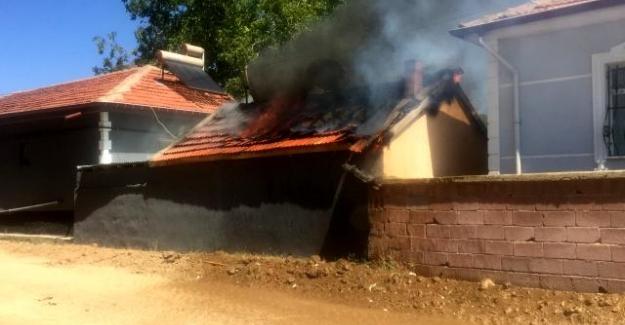 Kulu'da Kilerde çıkan yangın eve sıçramadan söndürüldü