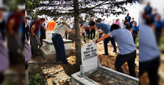 Miras' tartışmasında öldürülen kardeş toprağa verildi, ağabey aranıyor