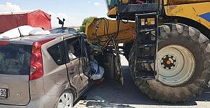 Kulu'da otomobil ile biçerdöver çarpıştı: 3 yaralı