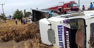 Kulu'da tır ile otomobil çarpıştı: 2 yaralı
