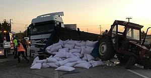 Kulu'da trafik kazası: Tohumlar yola döküldü