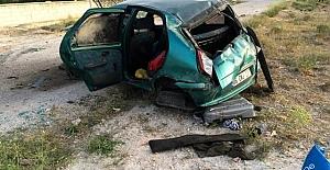 Ömeranlı Mahallesinde kaza Sürücü Ve Oğlu Yaralandi, Kocasi Ve Di̇ğer Oğlu Öldü