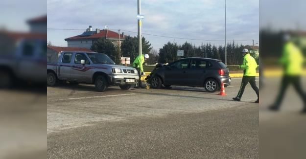 Kulu'da pikapla otomobil çarpıştı: 2 yaralı