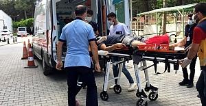 Tuzyaka Mahallesinde Motosiklet minibüse çarptı: 1 yaralı